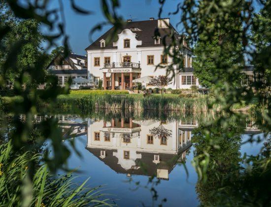 Wasserschloss / Pałac na Wodzie – Stonsdorf