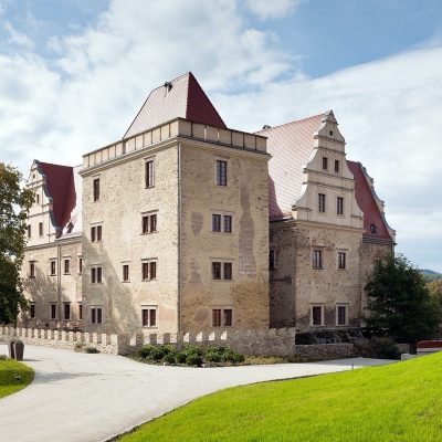 Schloss Sieben Weiher / UROCZYSKO SIEDMIU STAWÓW LUXURY HOTEL